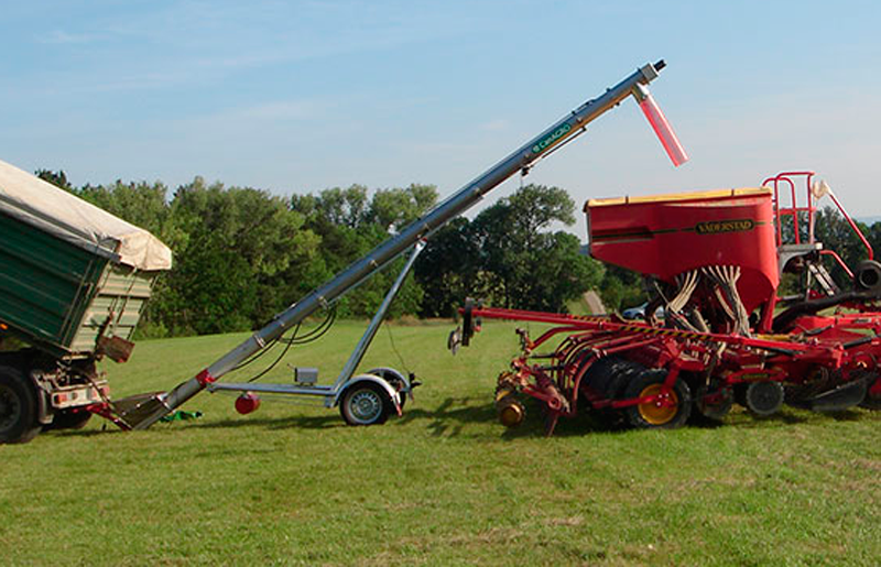 Exclusive UK Supplier for CanAGRO Trailer-mounted Augers